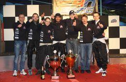 Das Siegerteam von Laps Karcenter by Goldtimer (Foto: Dirk Fulko)