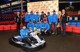 Die komplette Truppe von CV Racing by MR (Foto: Dirk Fulko - motorsport-xl.de)